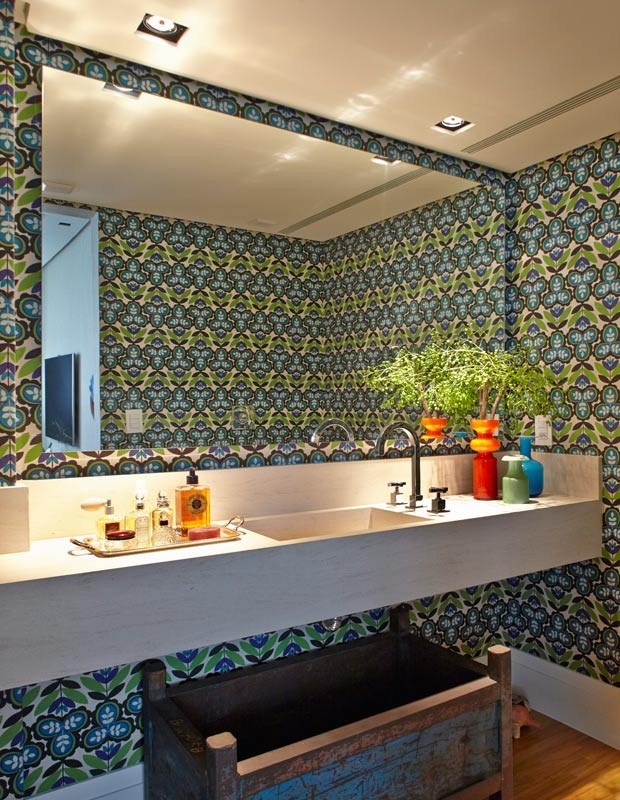 lavabo-papel-de-parede-Nelson-Kabarite (Foto: Victor Affaro/Editora Globo)