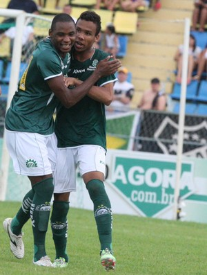 Icasa correu atrás no segundo tempo e buscou o empate (Foto: Normando Sóracles/Agência Miséria)