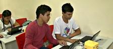 Instituto alia tecnologia ao ensino para jovens (Reprodução/Rede Amazônica Acre)