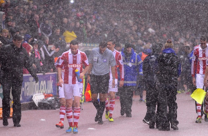 chuva, Stoke City x Manchester United (Foto: Getty Images)