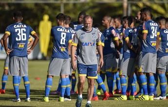 Com Manoel de volta, Mano Menezes relaciona 23 para partida de domingo