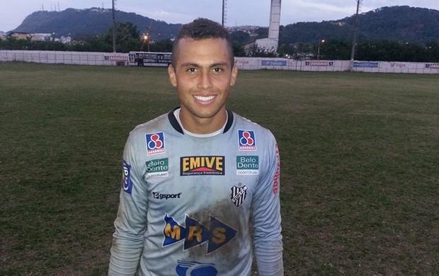 Victor Souza Goleiro Tupi-MG (Foto: Diego Alves)