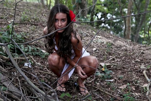 Coleguinha capricha na pose e faz cara de sexy como a personagem 'Gabriela' (Foto: Caldeirão do Huck / TV Globo)
