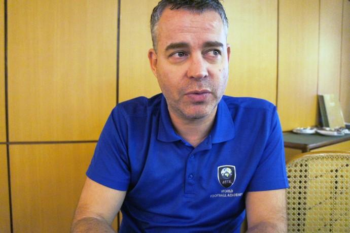 Raymond Verheijen_preparador físico holandês (Foto: Daniel Mundim)