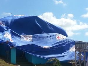 Casa coberta Pará de MInas (Foto: Anna Lúcia Silva/G1)
