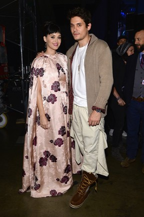 Katy Perry e John Mayer em evento em homenagem aos Beatles em Los Angeles, nos Estados Unidos (Foto: Larry Busacca/ Getty Images/ AFP)