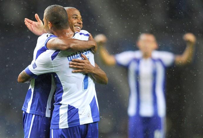 Yacine Brahimi comemora gol do Porto contra o  Bate Borisov (Foto: Agência AFP)