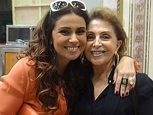 Giovanna Antonelli faz aniversário e recebe visita da mamãe no estúdio (Foto: Salve Jorge/ TV Globo)