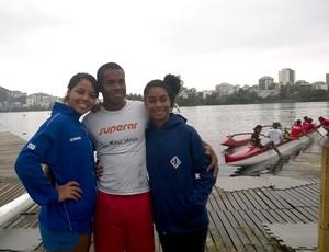 Sarah, Jorge e Sabrina, canoa polinésia (Foto: Divulgação)
