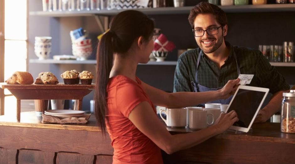 Algumas posturas podem interferir no sucesso da venda. (Foto: Thinkstock)