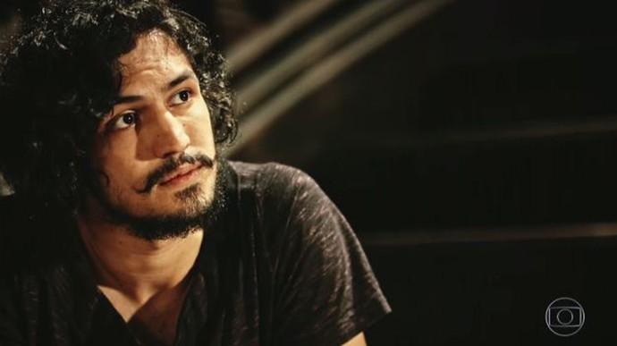 Miguel diz que avô não está nem aí para ele  (Foto: TV Globo)