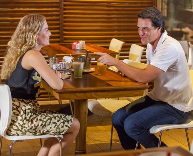 Angélica e Rodrigo conversam sobre tecnologia (Foto: Artur Meninea/Gshow)