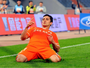 Lesão, gols e recomeço: Aloísio exalta titularidade com Mano após cirurgia