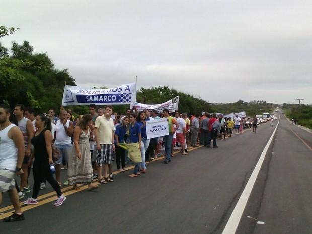 Grupo protesta em apoio à Samarco (Foto: Waguinho Bourguignon)