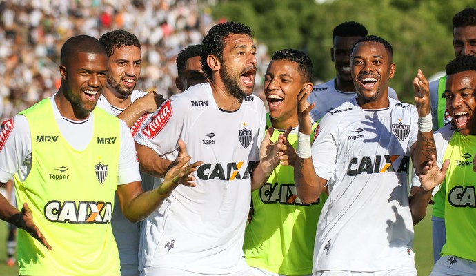 Fred; Robinho; Atlético-MG (Foto: Bruno Cantini)
