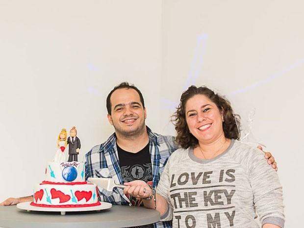 O técnico em informática Alberto Nunes Olivier, de 28 anos, e a universitária e auxiliar administrativa Bianca de Almeida Fernandes, de 29 anos, de São Gonçalo (RJ), vão se casar no Rock in Rio em 24 de setembro (Foto: Arquivo pessoal)