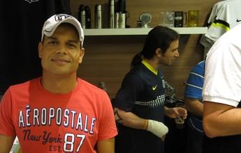 Ex-jogadores do Santos participam de amistoso no Internacional de Regatas