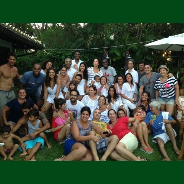 Juliana Paes, Regina Casé, Ivete Sangalo, Gilberto Gil e amigos (Foto: Instagram / Reprodução)