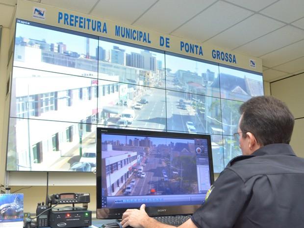 Vídeo wall permite a ampliação da cena em 12 telas (Foto: Divulgação/Prefeitura)