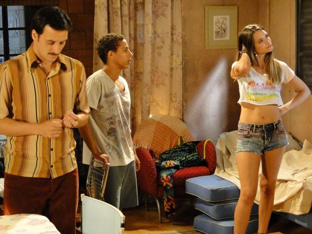 Fatinha diz a Pilha que vai deixar de ser Pilhazete se ele não liberar ficada com Vitor (Foto: Malhação / Tv Globo)