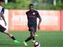 Opção a William ou junto de Dourado: como Edenílson pode atuar no Inter