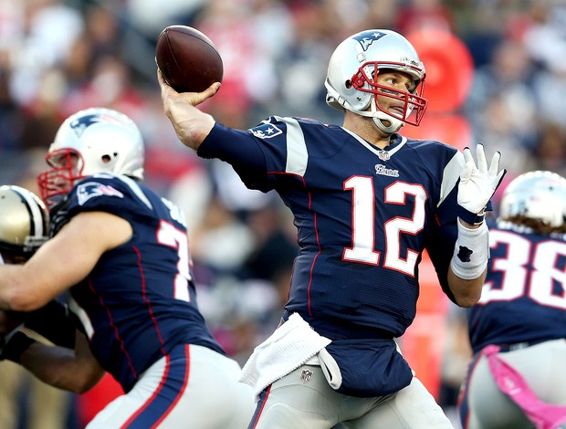 Tom Brady jogo NFL Patriots contra Saints (Foto: Getty Images)