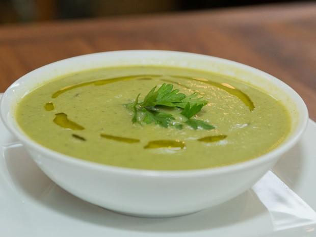 Sopa de alho por (Foto: Divulgao/ Andr Bittencourt)