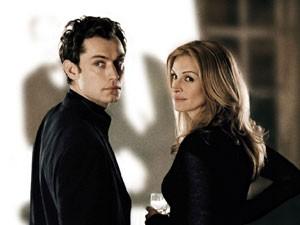 Jude Law e Julia Roberts em 'Closer: Perto demais' (2004) (Foto: Divulgação)