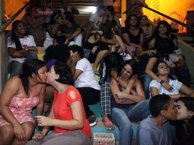 Estudantes da UFMA promovem Beijaço em protesto contra a homofobia (Foto: De Jesus/O Estado)