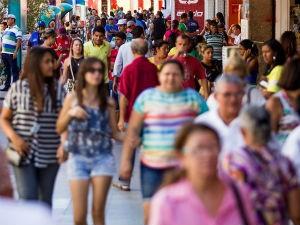Brasileiros temem ao desemprego  (Foto: Jonathan Lins)