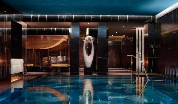 Uma das piscinas termais do ESPA Life (Foto: Divulgação)