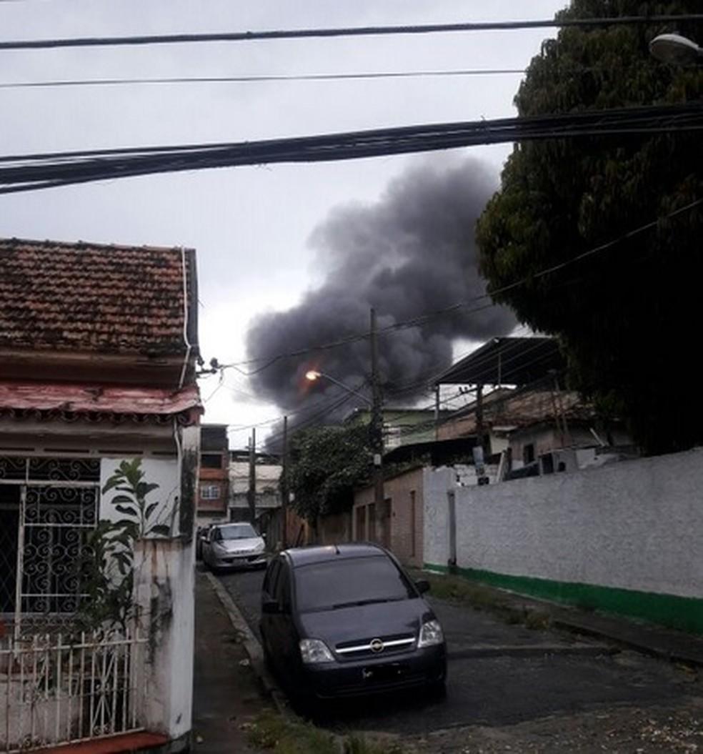 Incêndio em base de UPP na Zona Norte do Rio   (Foto: Arquivo Pessoal)