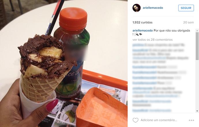 Arielle postou em sua rede social comendo um sorvete de chocolate (Foto: Arquivo Pessoal)