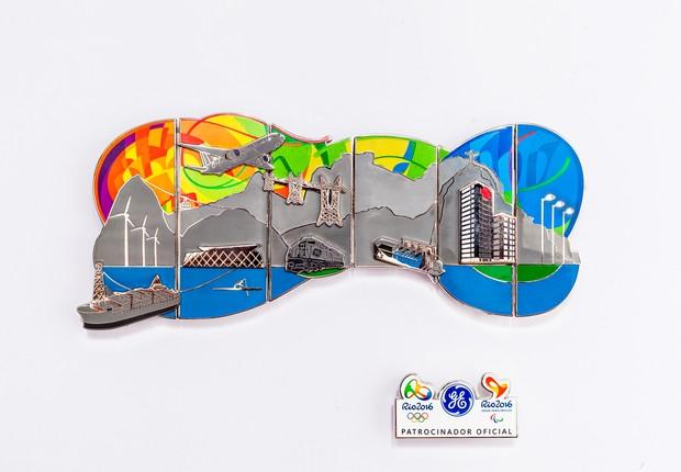 Pins olímpicos GE fora da caixa (Foto: Renique Alves)