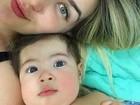 Aline Gotschalg posta selfie com o filho: 'Uma semana cheia de amor'