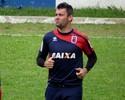Fora dos planos do Paraná, Giancarlo tem proposta de três clubes da Série B