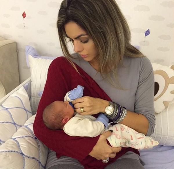Kelly Key com Salvatore, filho de Antonia Fontenelle (Foto: Reprodução / Instagram)