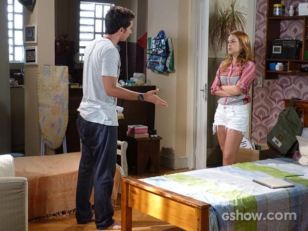 Anita cobra explicações de Ben (Foto: Malhação / TV Globo)