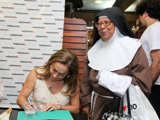 Cissa Guimarães e irmã Tereza (Foto: Alex Palarea / AgNews)