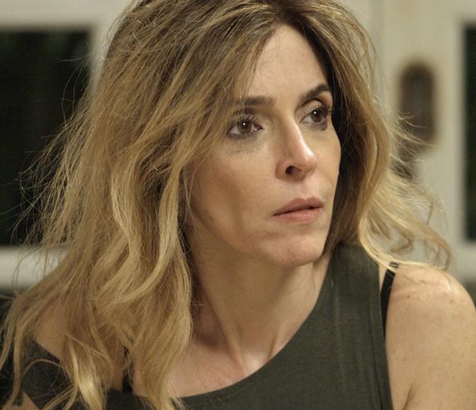 Kiki se preocupa com Romero (Foto: TV Globo)