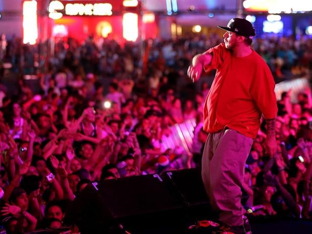 Chorão participou do show do grupo Racionais MC's no palco central do Planeta (Foto: Jefferson Bernardes, divulgação)