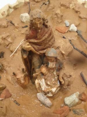 Sagrada Família aparece coberta por 'lama' em presépio (Foto: Arquivo Pessoal/ Alex Roch)