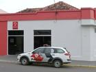 Trio assalta agência bancária durante o dia no centro de Iacanga