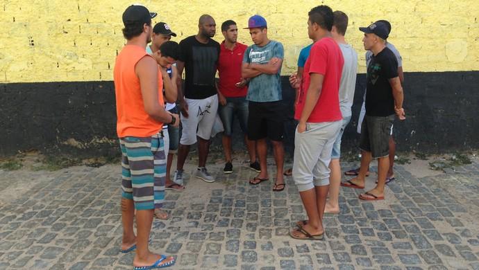 jogadores central reunião  (Foto: Vital Florêncio / GloboEsporte.com)