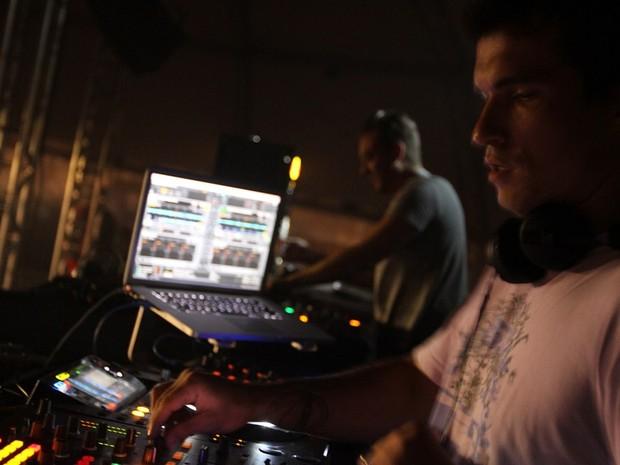 Dj Rodrigo Ayala animou o público no palco E-Planet  (Foto: Marcos Nagelstein, divulgação)