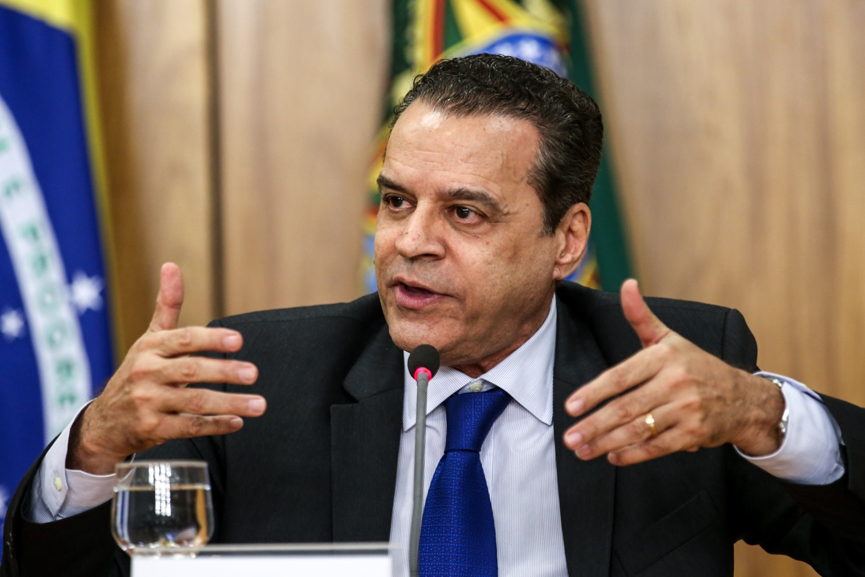 Resultado de imagem para Henrique Alves diz à Justiça desconhecer US$ 833 mil depositados em conta na Suíça
