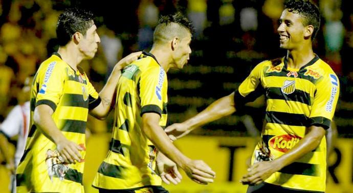 Jogadores do Novorizontino festejam gol contra o Guaçuano, pela Série A3 (Foto: Wiliam Lima / Novorizontino)
