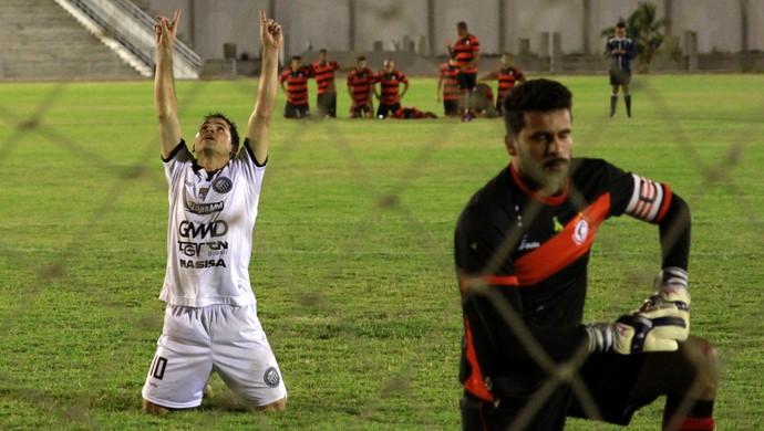 campinense, operário-pr, amigão, série d (Foto: Junot Lacet Filho / Jornal da Paraíba)