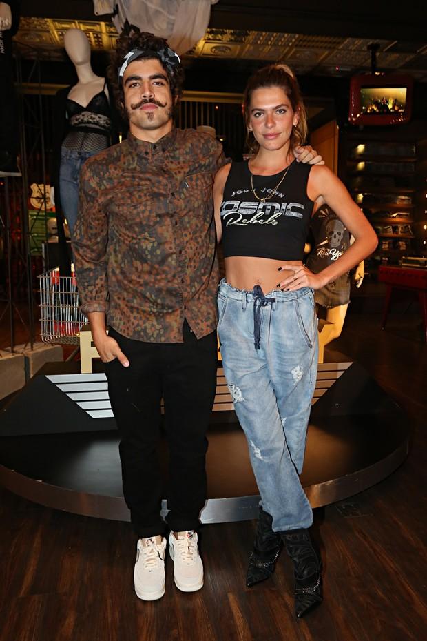 Caio Castro e Mariana Godfarb (Foto: Celso Tavares / Ego)