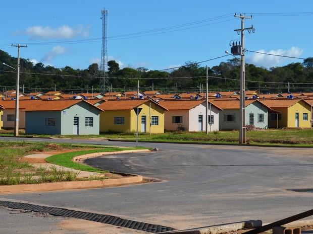 Cerca de 100 pessoas ainda não receberam as casas do Residencial Salvação (Foto: Adonias Silva/G1)